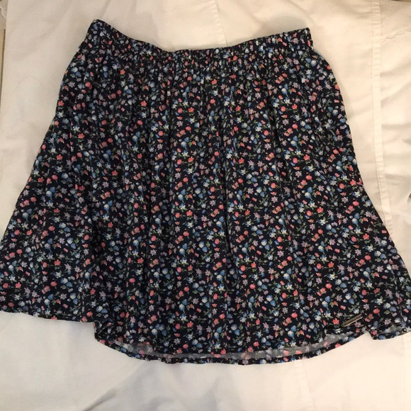 💕Abercrombie & Fitch Floral Skirt💕
